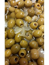 zoete olijven knoflook en ui